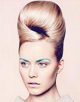 怎么梳头发显得成熟 成熟女性怎样盘头发