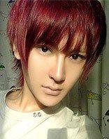 非主流男生染酒红色头发 高颧骨适合的短卷烫发