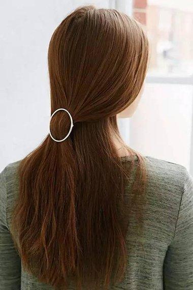 女文艺青年长发配颜色造型 倒三角脸女性披散发型