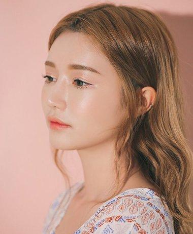 娃娃脸:最适合韩式卷发的脸型 全新韩式卷发助力娃娃脸修颜