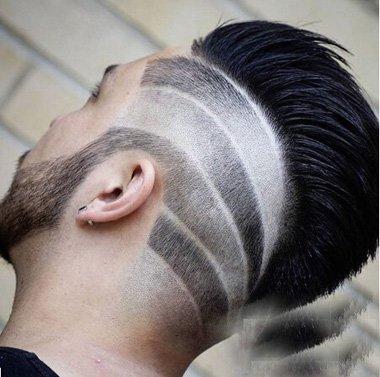 菱形脸男生雕刻图案短卷发 额宽后脑勺剃短帅气发型