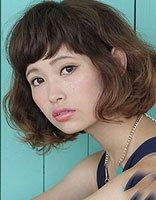 方脸女生夏季最火短卷发 精修剪层次短头发造型