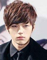 韩国长脸男生纹理烫发 脖子短也能变帅的齐刘海