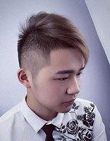 后脑勺剃掉中间理v发型 倒三角脸男生剃帅短发图片