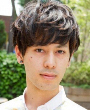 陶瓷烫头发适合的年龄 圆脸男生日式小清新卷发