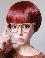 瘦脸女生修剪卡哇伊2018世界杯体育投注网站造型 酒红色头发适合白肌肤的人