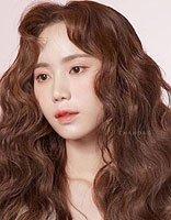 多发量试试海藻卷发型 韩国九成女生都爱的卷发图例