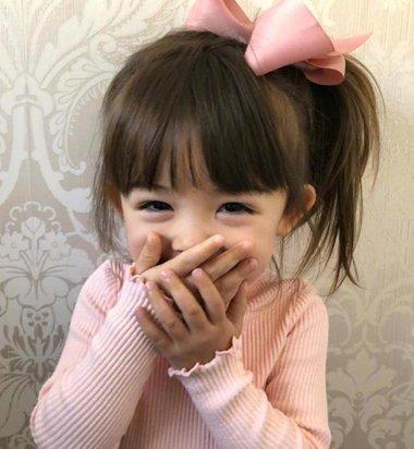6岁小孩中长发总少不了蝴蝶结 盘点市面上所有蝴蝶结发饰用法