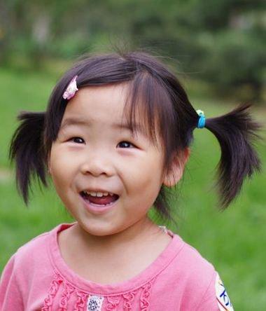 暑假期4岁小女孩如何扎头发 剪哪些刘海适合孩子发型