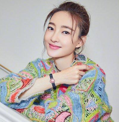 宽脸+齐刘海=扁脸 女生龙须刘海发型才是你最佳选择