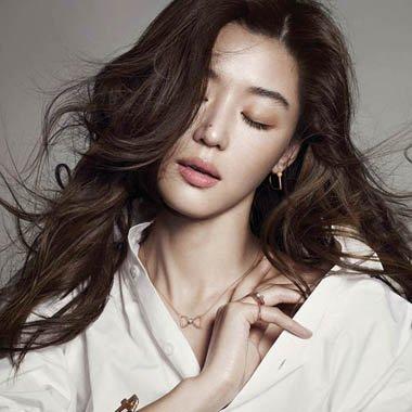 韩国女生侧分长刘海怎么弄显潮 甜美韩式侧分长刘海图片