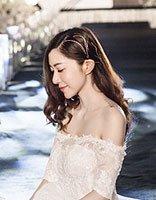 没有头饰也能做美丽新娘 2018新娘简约风散发造型优雅高贵