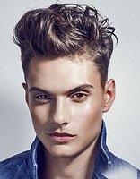 最潮流的男士短卷发有无刘海打造 全新款型男两边剃中间染新颖头