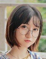 小脸配复古圆框镜还能配刘海吗 戴眼镜也爱梳有刘海的发型