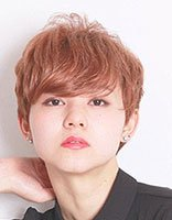 女生剪齐耳蓬松短头发超时尚 韩式2018世界杯体育投注网站如何修剪更显漂亮