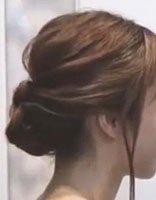 美到不舍得眨眼的包包盘发图解 雅致低盘发是约会成功的一半