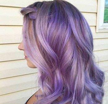 女生皮肤黑能hold住紫色染发吗 黑皮肤的你最适合挑染紫色
