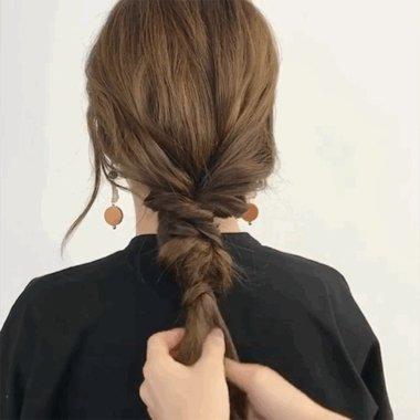 最美的辫子居然不是编出来是缠出来的 手残党一分钟搞定长卷发低扎辫子教程