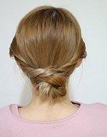 有两种方法可以扎优雅的低盘发 让齐肩直发也能气质盘起来