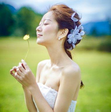 结婚当天怎能失礼? 2019简单优雅的新娘迎宾发型让你光彩照人
