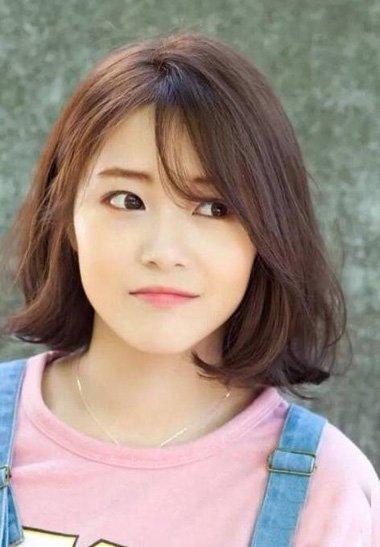 女生韩式时尚烫发成为首选对象 称心款梨花烫风格发型迷倒众人