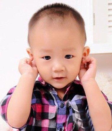 小男孩剃可爱寸头发型图片大全 孩子两边剃掉短寸头特显精神