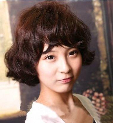 韩式陶瓷烫发甜美百搭显气质造型 抢眼玩个性的女生卷发设计
