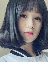 备受中小学生推崇的头型是内扣卷 波波头与齐肩发都能用的少女内
