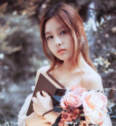女生齐刘海姬发式发型已out如今流行无刘海造型 扎起来更漂亮时尚