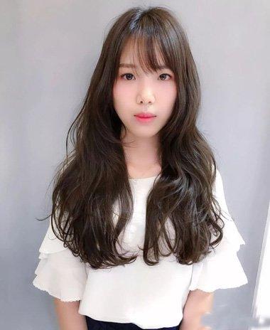 女生发廊烫发需要知道的基础知识 找准方向卷出最美秋冬长头发