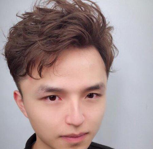 八一八换个烫发能让男生变多帅 细数男生喜欢上烫发的几个理由