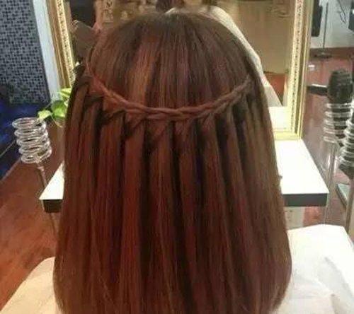 做个会做出挑编发的girl有多难 她们都是从短头发时都开始练编发了