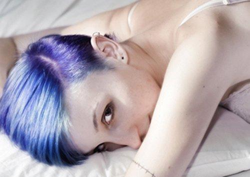 蜡染头发染膏弄头皮上有毒吗 别紧张 注意这几点发蜡染发完美搞定