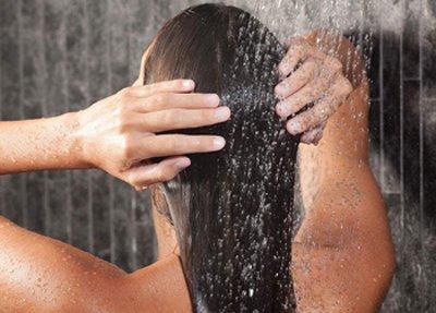 头发不脏只用护发素洗头可行吗 女生唯有正确使用护发素才算真正护发