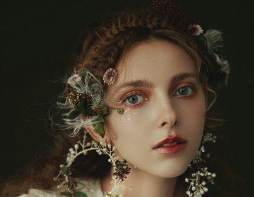 冬寒未至森系新娘妆面成就童话经典 用鲜花妆点的扎发足够惊艳全场