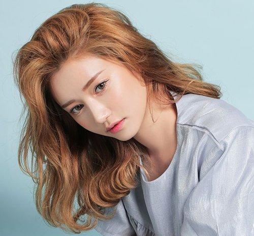 蝉联最美齐肩烫发发型的是韩国风情卷 齐肩发怎么烫合适有实图才有理有据