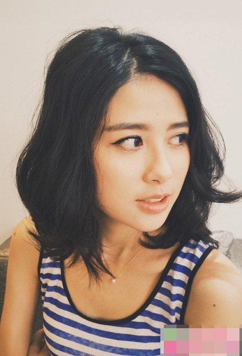 脸长女生修剪齐肩发做内扣造型 显瘦又带出清纯度的女生短头发