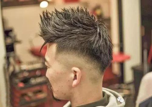 剪火箭头轻轻松松做成酷炫潮男 常款火箭头发型需要哪些技巧