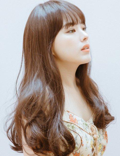 三角脸女生修颜发型之路漫漫 三角脸发型改善尖额头宽颌骨特色