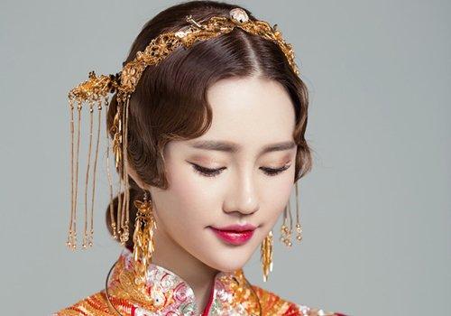元旦结婚穿秀禾服喜庆又暖和 中国风新娘秀禾服盘发造型安利