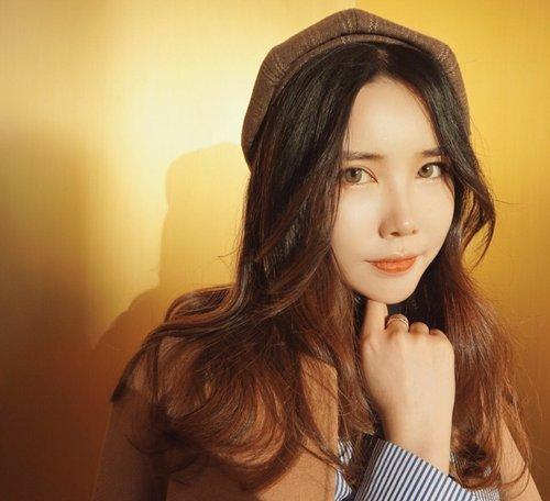 宽额头女生更适合梳网红长刘海 长刘海+卷发设计修颜优雅不显老