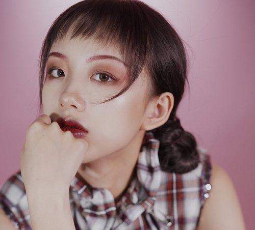 女生带感丸子头盘发设计 叛逆少女非主流盘发个性不失精致创意