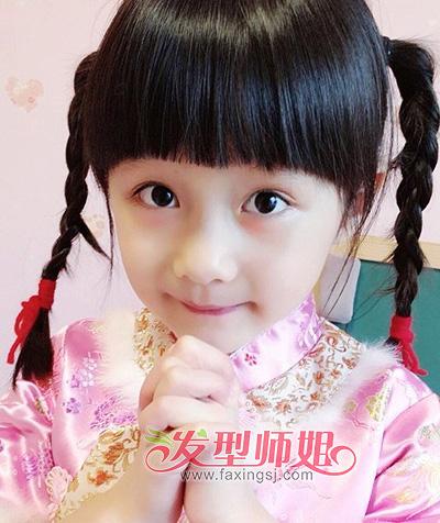 发型设计 儿童发型 > 漂亮的小女孩编发
