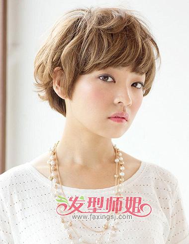 女生露耳一面时尚a女生显现可爱短发_女生露耳金海心齐刘海图片