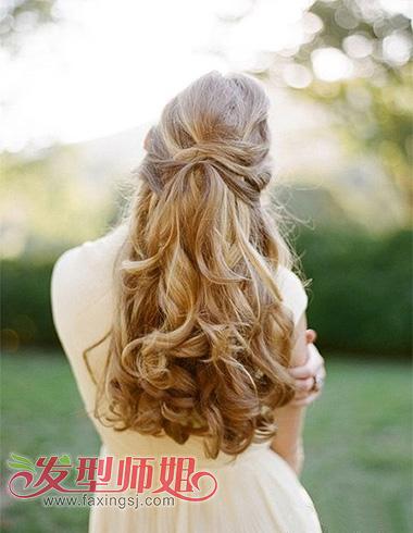 欧美风金色长发发型 甜美优雅公主范