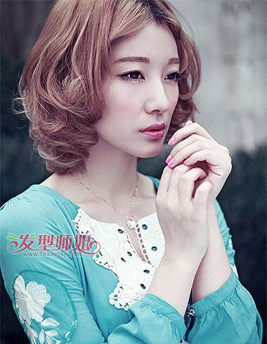 国字脸卷发发型 时尚自然卷度打造迷人气质(4)图片