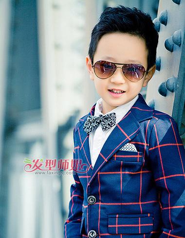 小男孩时尚短发发型 打造活力阳光帅气形象(2)图片