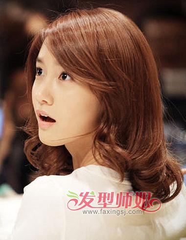 头尖脸小适合的发型 尖脸女生适合的大卷发型(4)