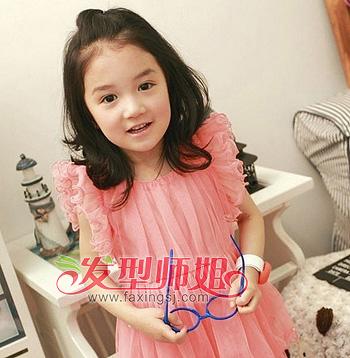 两岁小女孩短发的发型