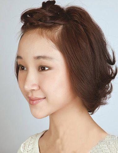 短发怎么扎好看 我有刘海,不是斜的. 后面还有短碎发
